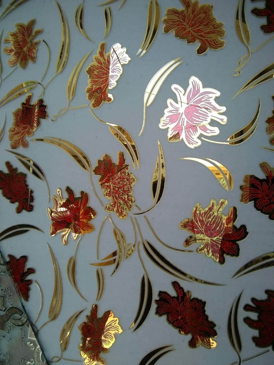 RED COLORED FLOWER 72″ X 96″